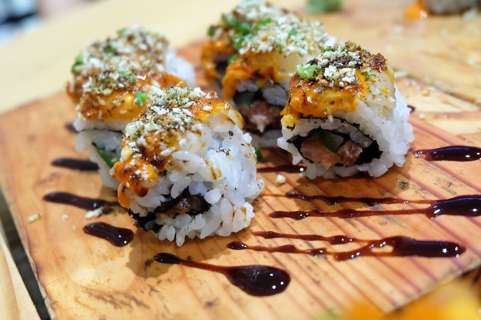 OOMA's Scallop and Tuna Aburi Maki